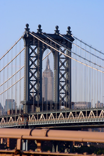 <CENTER>Manhattan Bridge with the Empire State Building</CENTER>