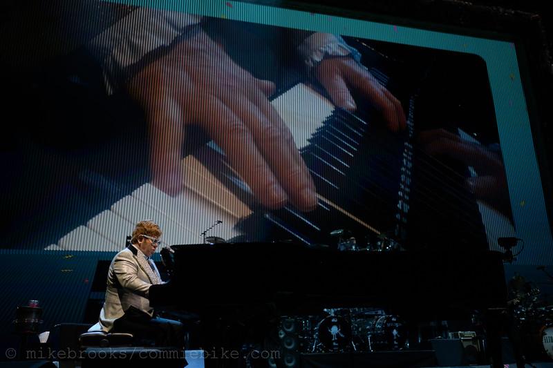 Elton John-213