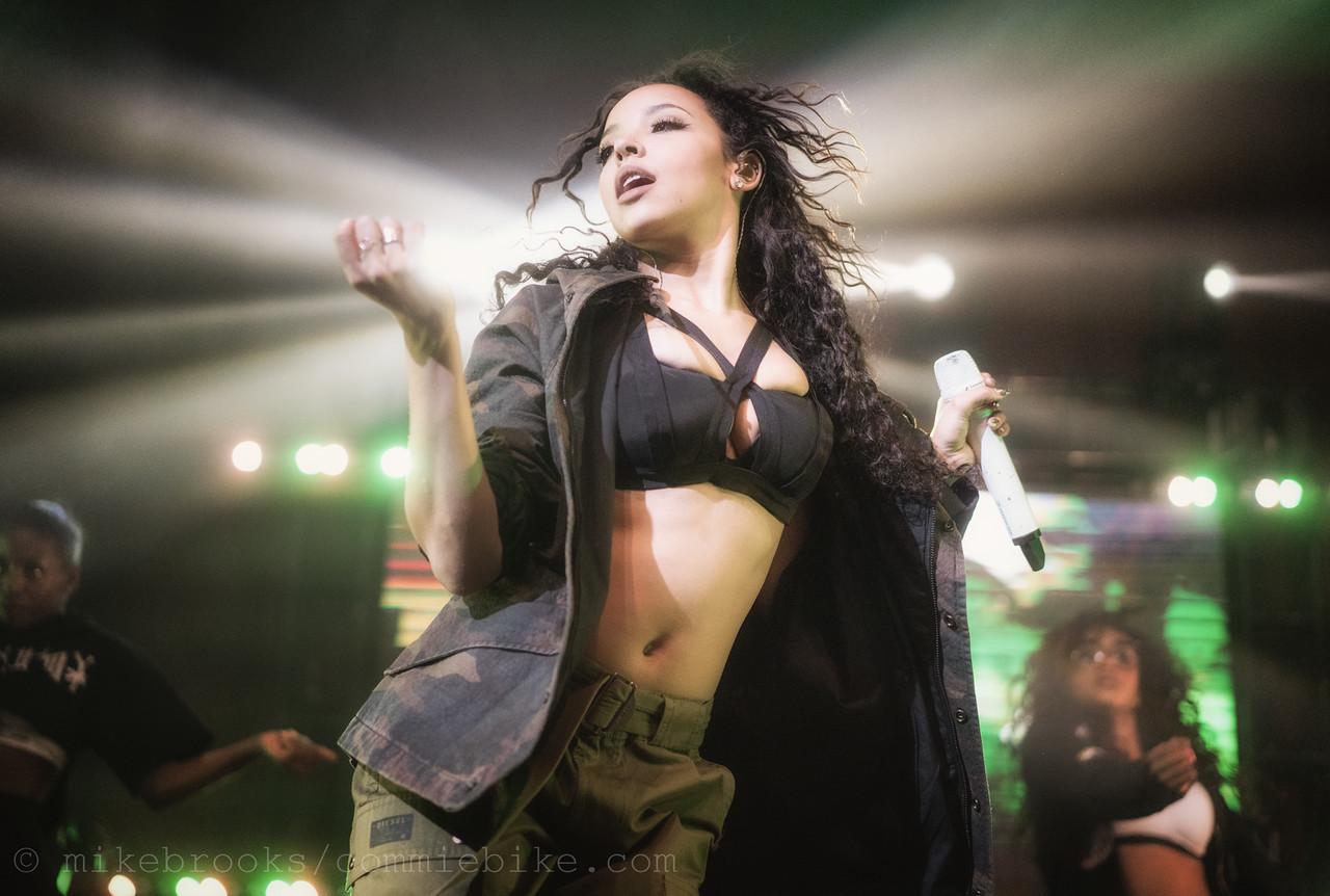 Tinashe-1