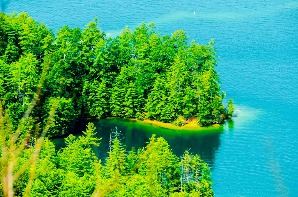birds eye view of lake jocassee landscapes