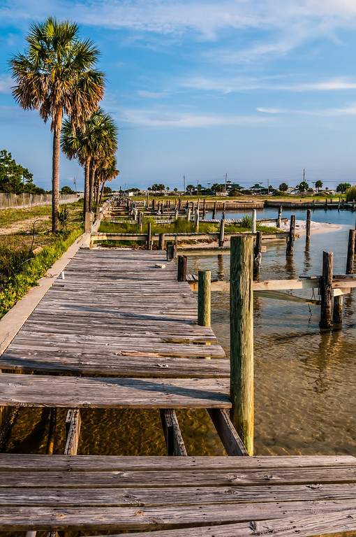 abandoned fishing pier in florida