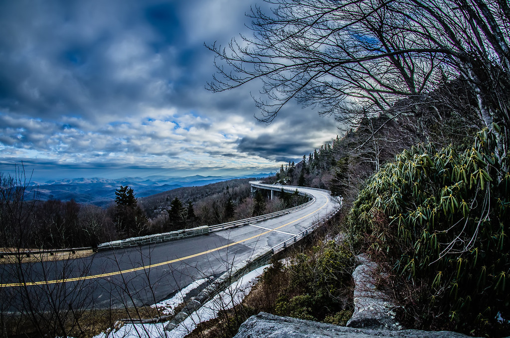 linn cove viaduct during winter