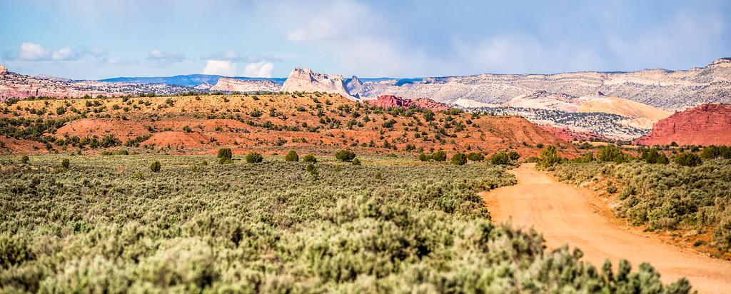 canyon mountains formations panoramic views near paria utah parks