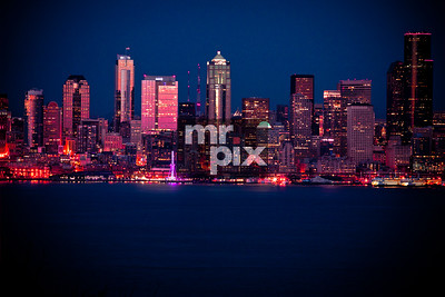 Seattle  Waterfront splashed in Sweet Light. Architectural and Lifestyle Photography by Michael Moore | MrPix.com   #seattle #seattlewaterfront #seattlesunset #seattlearchitecture