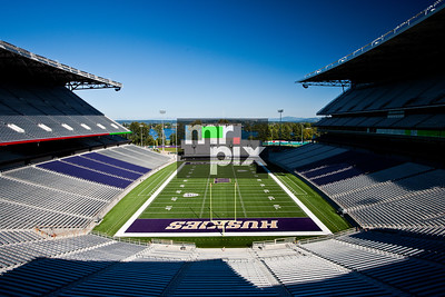 Husky Stadium (The Dawghouse)