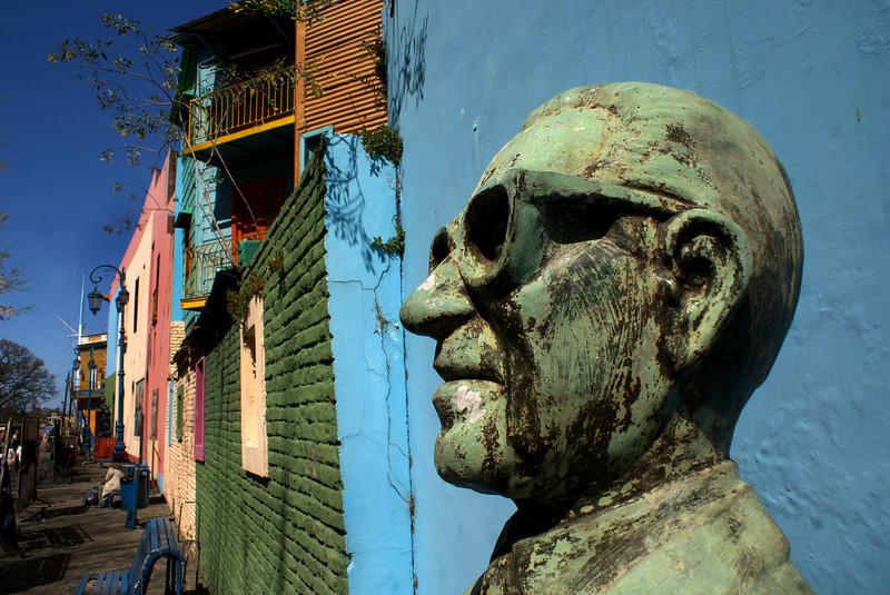 BUENOS AIRES. LA BOCA. SCULPTURE. [2]