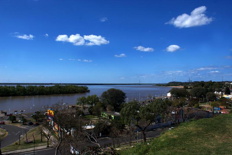 PARANA. ENTRE RIOS. PARQUE URQUIZA WITH A VIEW AT RIO PARANA.