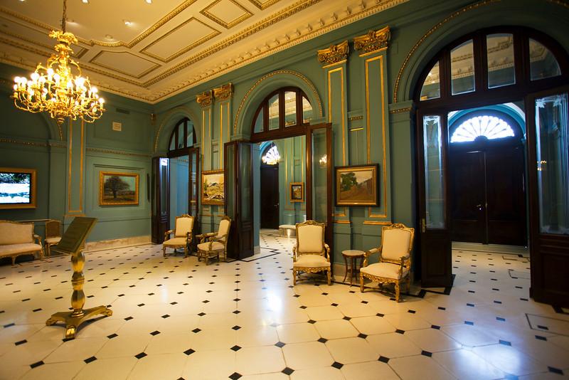 BUENOS AIRES CAPITAL. ENTRANCE OF CASA ROSADA. PRESIDENTIAL PALACE. PRESIDENTIAL PALACE. [CASA DE GOBIERNO] BUENOS AIRES.