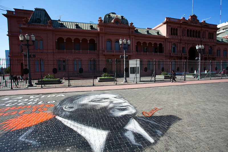 BUENOS AIRES CAPITAL. CASA ROSADA. PRESIDENTIAL PALACE WITH GRAFITTY OF NESTOR KIRCHNER. [CASA DE GOBIERNO] BUENOS AIRES.