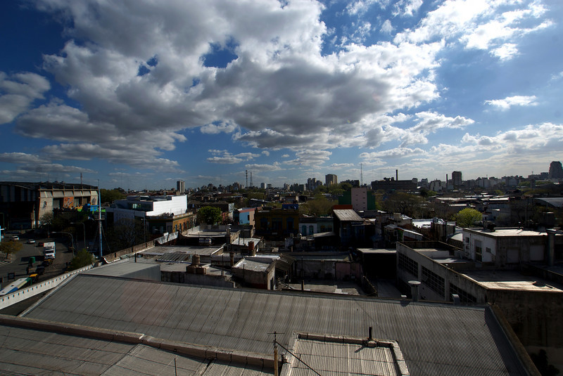 BUENOS AIRES. LA BOCA. VIEW AT LA BOCA FROM THE ROOF OF MUSEO DE LAS BELLAS ARTES DE LA BOCA. QUINQUELA MARTIN.