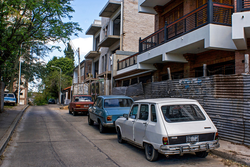 PARANA. ENTRE RIOS. OLD CARS IN THE STREET.