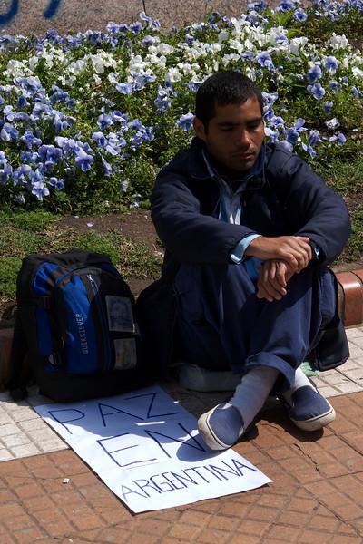 BUENOS AIRES. PLAZA DE MAYO. PAZ EN ARGENTINA.