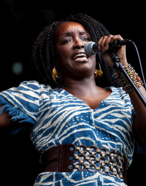 KAISSA. [CAMEROON]. AT THE HAGUE AFRICAN FESTIVAL. 2010. [2].