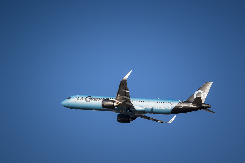 A321 Neo leaving LFPO
