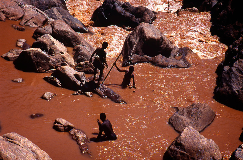 Young boys fishing near Bwanje, Malawi (1994) © Copyrights Michel Botman Photography