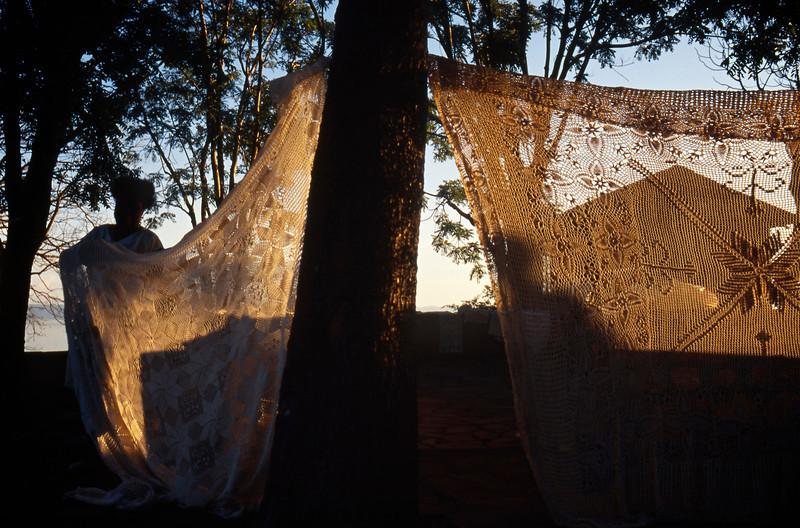 Women selling hand-made lace near Victoria Falls, Zimbabwe (1993) © Copyrights Michel Botman Photography