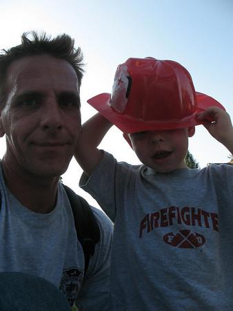 Aidan  My little Firefighter / fire photographer