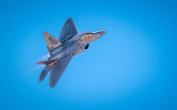 F-22 Raptor- Afterburners on!