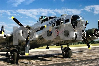 "WWII B-17 Flying Fortress bomber ""Sentimental Journey"" (Thunder over Michigan 2005, Willow Run Airport in Ypsilanti, Michigan)"