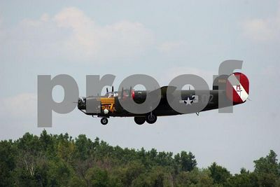 WWII bomber coming in for a landing (Thunder over Michigan 2005, Willow Run Airport in Ypsilanti, Michigan)