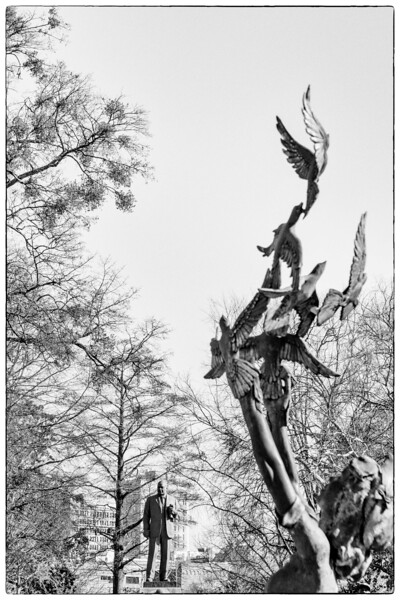 The Four spirits sculpture with doves are framing the MLK Jr sculpture, January 20, 2020