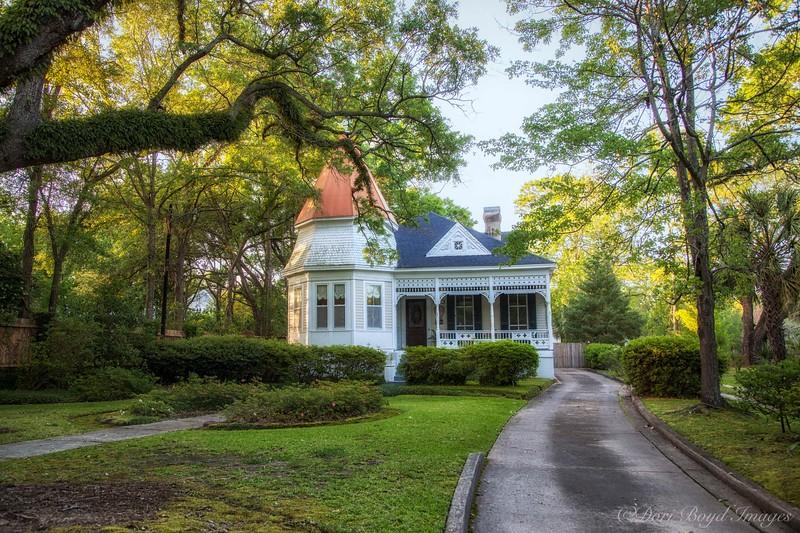 Historic Cottage!