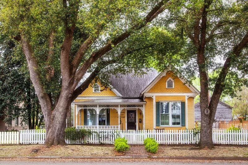 Victorian Cottage!