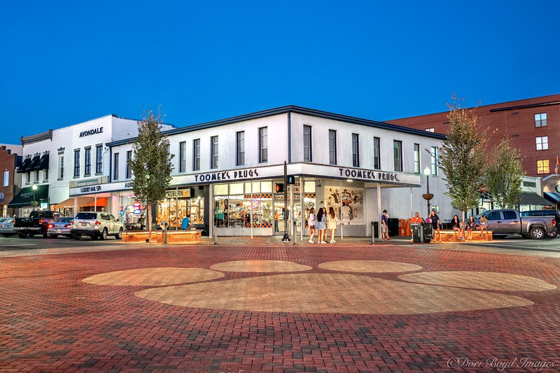 Tiger Paw intersection and Toomer's Corner!