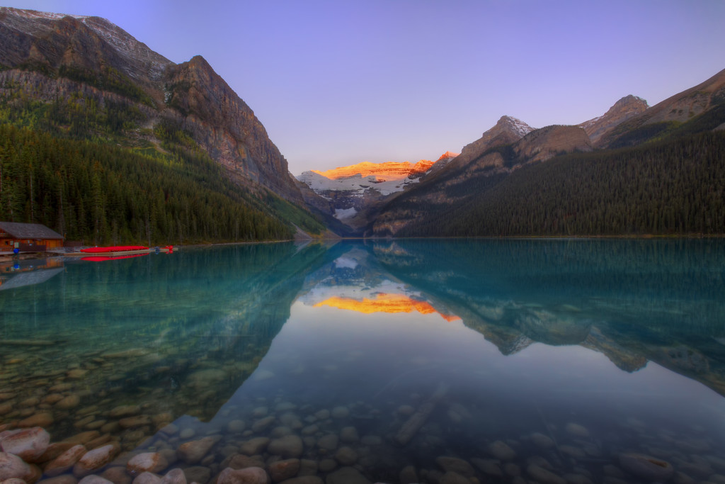 Sunrise over Lake Louise (Banff National Park)