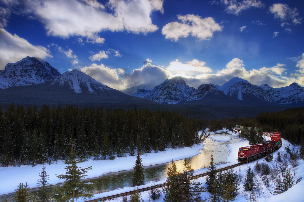 Morant's Curve (Banff National Park)