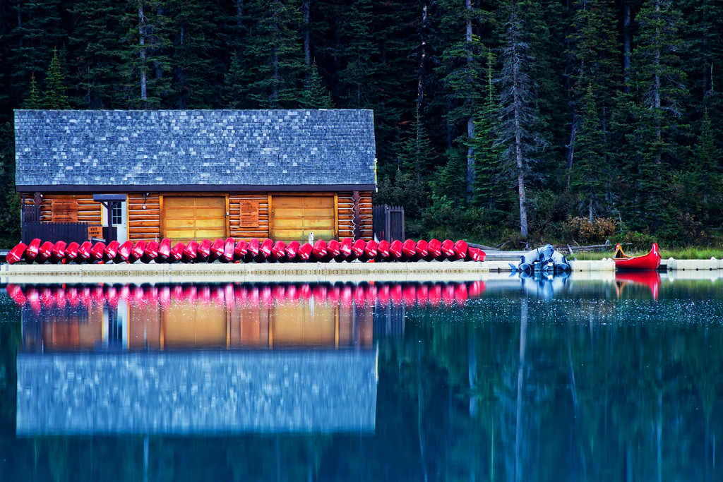 Lake Louise Boathouse (Banff National Park)