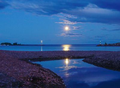 Blue Moon Grand Marais Harbor 003