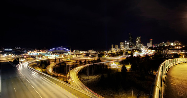 Seattle is a lively city especially for photographers – located adjacent to water, hills all around, lovely skyline, beautiful S-curve leading to the heart of the downtown area. Love the way how it comes alive at night. Here is one of the scène for your to enjoy. You can get this view from around Dr Jose P Rizal Bridge. Check here for other shots from Seattle.