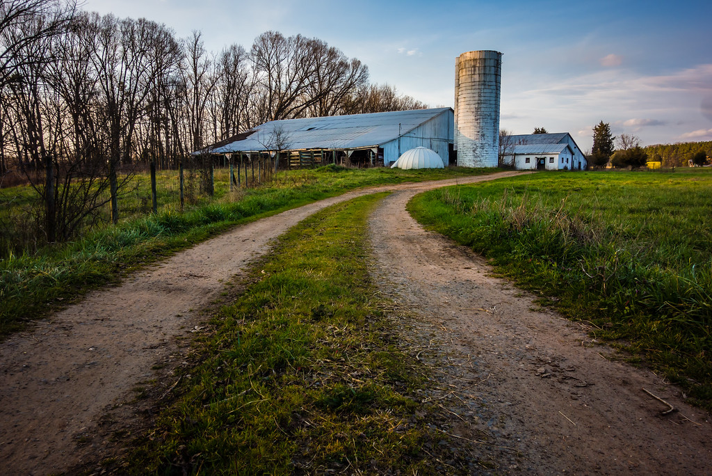 abandoned countryside farm in the afternoon