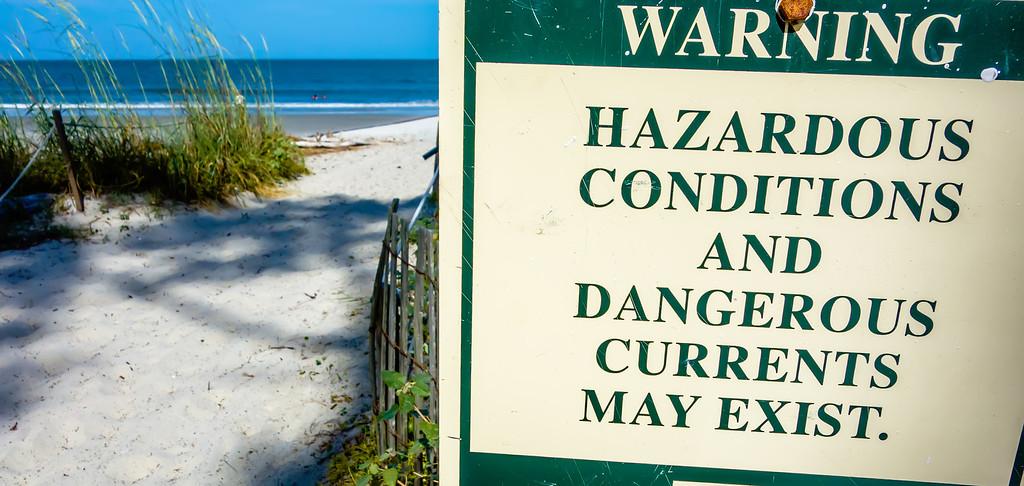 hazardous rip currents warning sign on hunting island nc