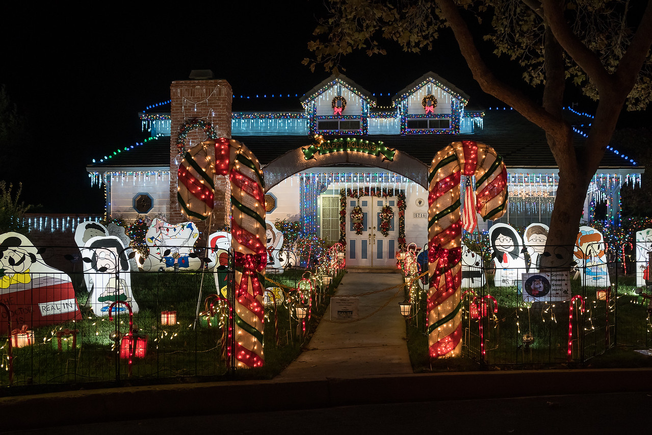 Holiday Lights on Thoroughbred Street - Holiday Lights On Thoroughbred Street €� Neighborhood Travels