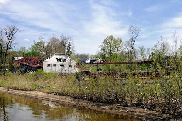Tom Sawyer Paddleboat and Bathhouse - Chippewa Lake Park