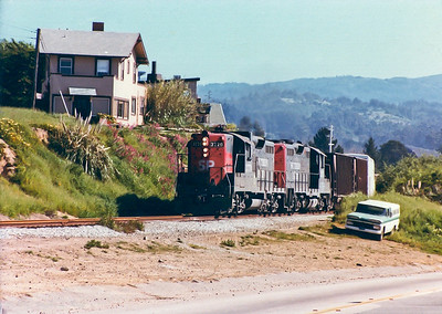 Southern Pacific Freight Train thru Capitola