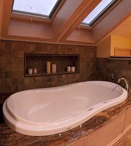 107 Vaughan Street master bath tub panorama (5 vertical images)