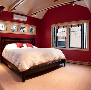 107 Vaughan Street master bedroom with window detail