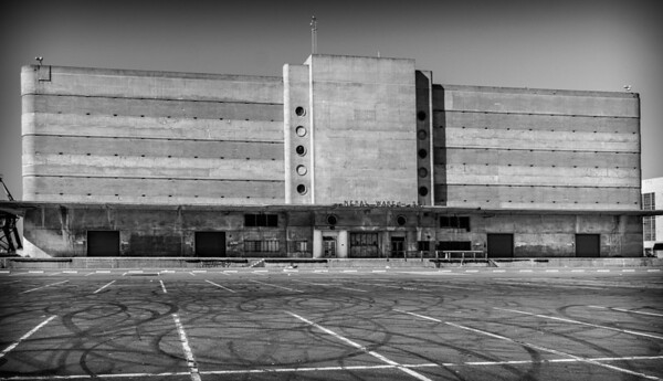 The general warehouse, was part of the Kaiser shipyard, they built Liberty ships during WWII. #generalwearhouse #richmondCA #artdeco #concrete