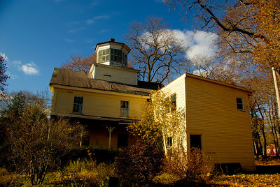 Abandoned Home in Scarborough, Maine November 12, 2008