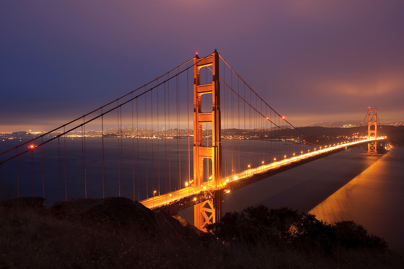 Golden Gate bridge<br /> (c) Arash Hazeghi, all rights reserved.