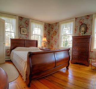 Sleigh Bed bedroom.