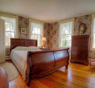 Sleigh Bed bedroom.