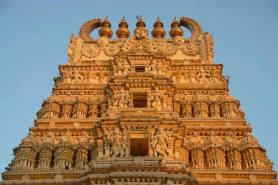 Sri Laxmiramanaswami Temple is located within the Palace of Mysore. Exquisite carvings and stone work is done on the exterior of the walls