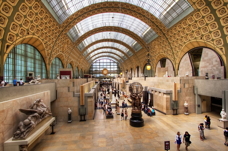 <H3>The grand interior of Orsay Museum</H3>