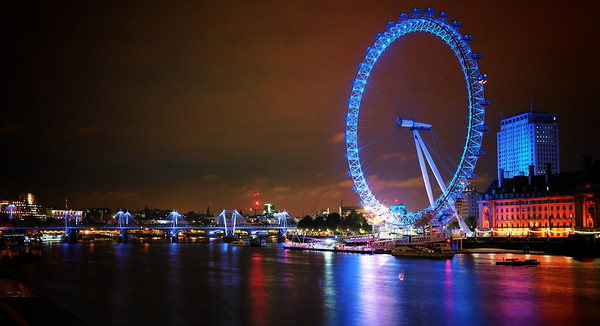 The famous London Eye, glittering in the night