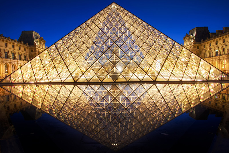 <H3>Symmetry</H3> The Louvre