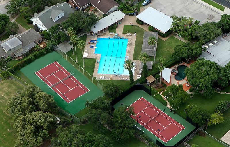 TODD YATES/CALLER-TIMES<br /> Santa Fe Pool